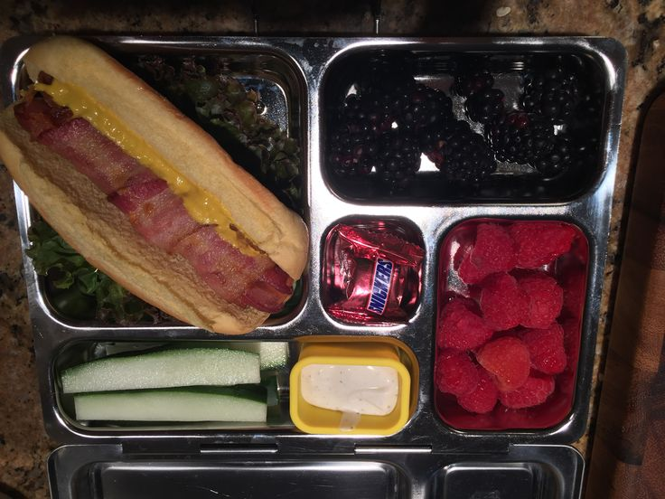 9 11 15 cheese stuffed bacon wrapped hot dog on potato roll plant box lunc. Black Bedroom Furniture Sets. Home Design Ideas