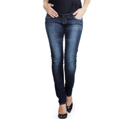 Maternity jeans are a great wardrobe staple for casual styling. Dressed up or down, jeans can be worn with many different tops and shoe combinations. Photo credit- mamaway.com.au