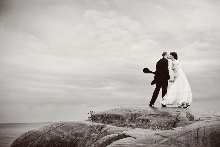 Malin and Niklas - elopement - Suomenlinna island - Helsinki hääkuvaus   -  Photo by Maria Hedengren