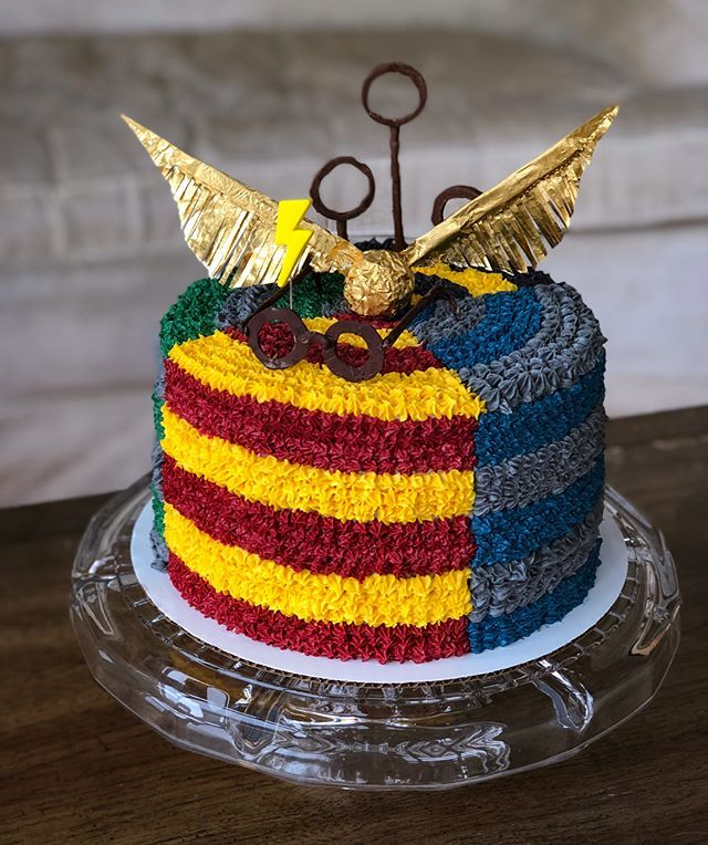 Harry Potter Buttercream Cake With Images Harry Potter Theme