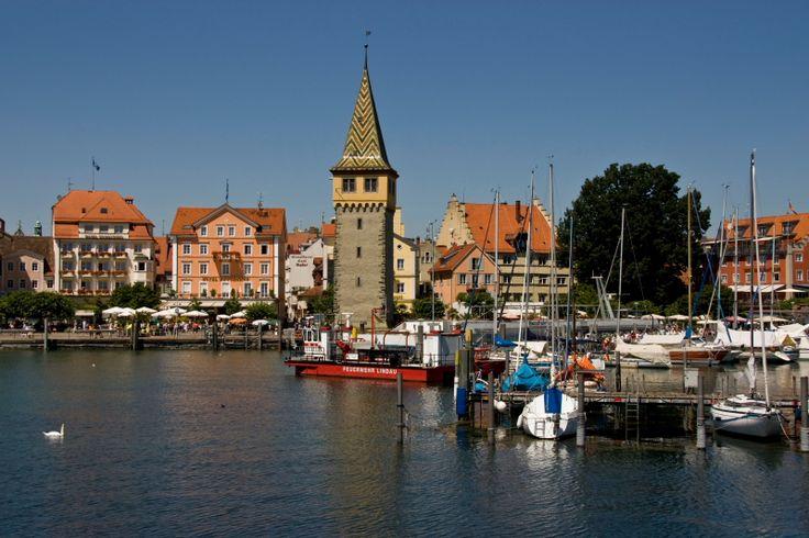 Friedrichshafen, Bodensee, Germany  ( via )
