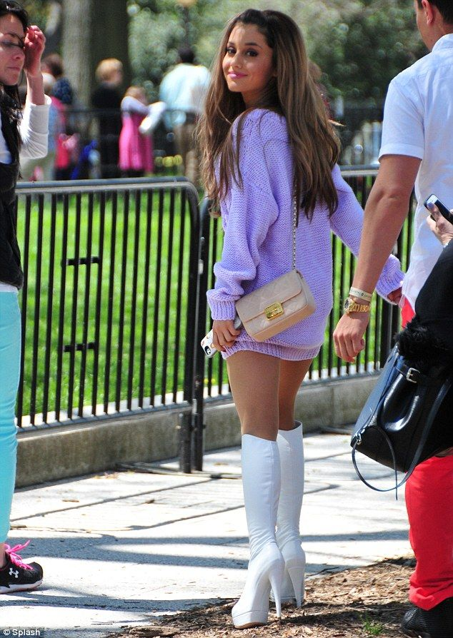 ariana grande black pants problem | Ariana Grande, 20, leaves her skirt at home to perform at White House ...