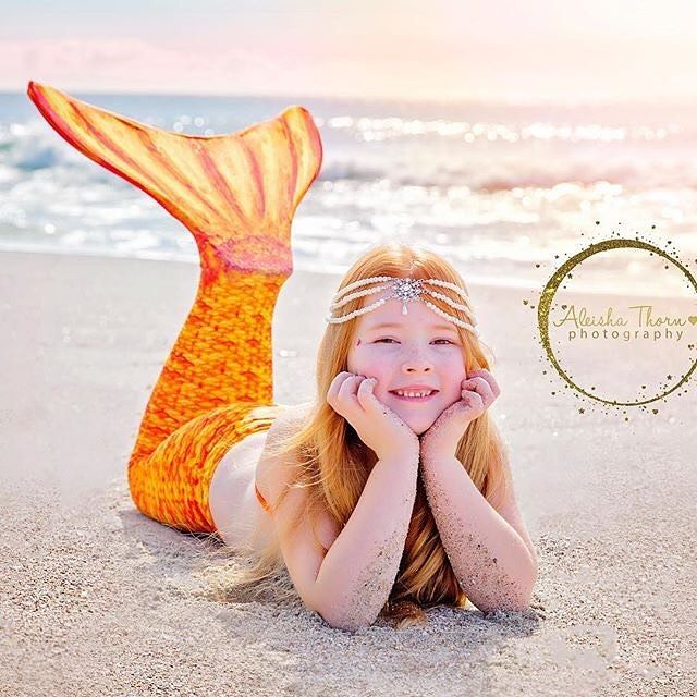 Keep your head high mermaids and don't forget your crown! This Fin Fan is looking especially royal today in Destiny's Tropical Sunrise! @aleishathornphotography