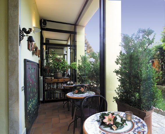 Hotel Villa Medici Naples, Veranda