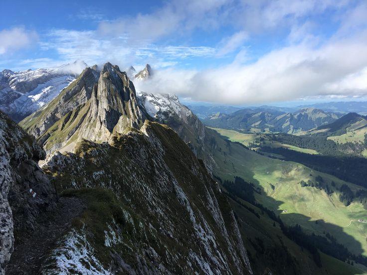 The Swiss Alps Schäfler [3264x2448][OC] gooeydewey http://ift.tt/2wvFwmX September 15 2017 at 01:33PMon reddit.com/r/ EarthPorn