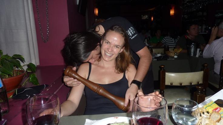 Dans le restaurant bar #gay Insidebar, si vous demandez le #poivre, on le mouline autour de vous et on vous fait un #bisous dans le cou, classe non ?