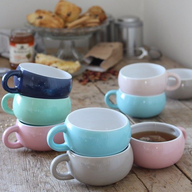 Time for tea. In stores now. DKK 21,88 / SEK 29,94 / NOK 29,90 / € 3,07 / ISK 572. #søstrenegrene #sostrenegrene #cups #tekrus #te #tea #kitchen #køkken #kopper #sgkitchen #eftermiddagste #hygge