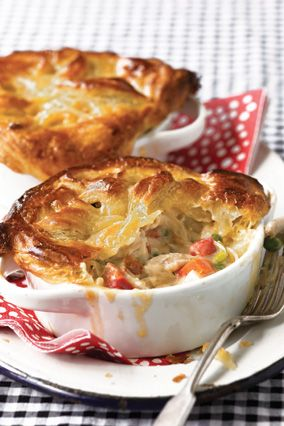 Get pot pie recipe!: Potlucks Recipes, Potpie, Pots Pies Recipes, Chicken Pot Pies, Comforter Food, Puff Pastries, Casseroles Queen, Chicken Pots Pies, Greatest Chicken