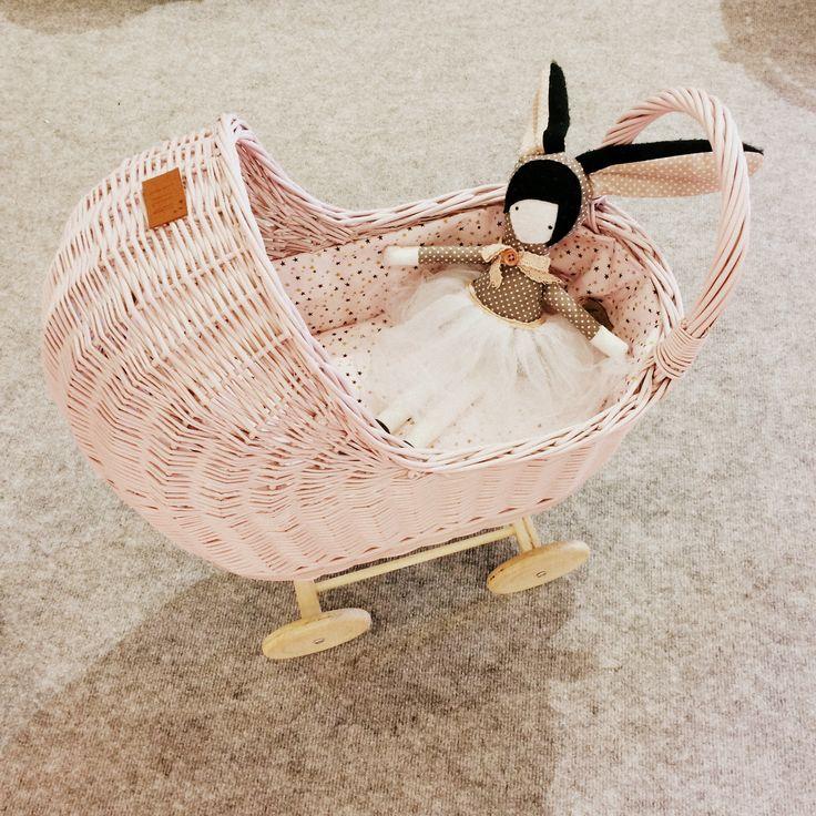 Wiklinowy wózeczek © KOLORY Lilushop