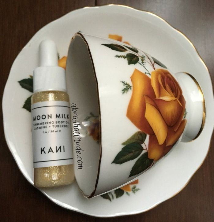 Hello, hello! Today I have a review of the Moon Milk Shimmering Body Oil from Kani Botanicals that came in my October Petit Vour subscription box [info in italics is taken from the Petit Vour websi…