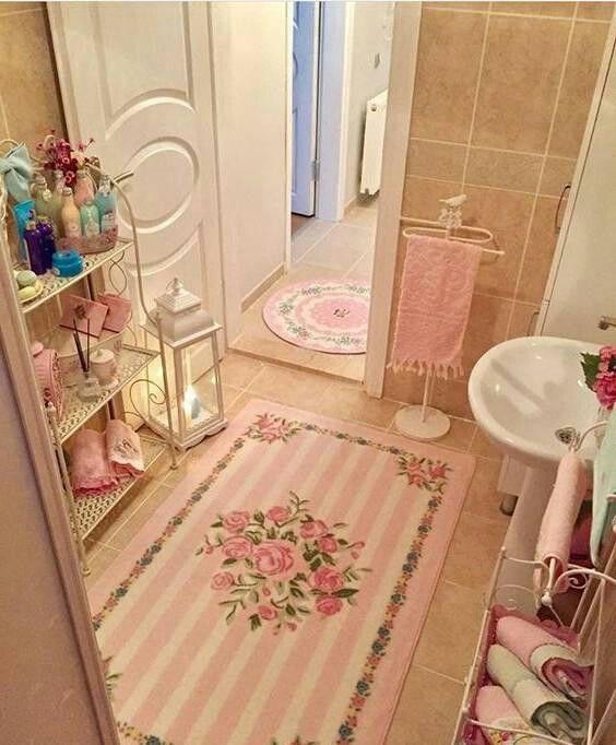 Pin By Ala On Banos Espectaculares In 2020 Pink Bathroom Decor Small Bathroom Decor Shabby Chic Bathroom