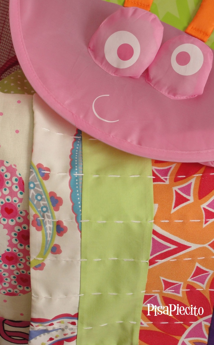 Conjunto de Cubre edredón reversible + almohadones para niña.