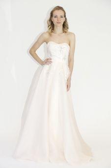 http://www.mariage.com/robes-de-mariee/les-robes-par-marque/1123-lela-rosecollection-printemps-ete-2014?utm_source=dlvr.it&utm_medium=facebook  Lela Rose, collection printemps-été 2014