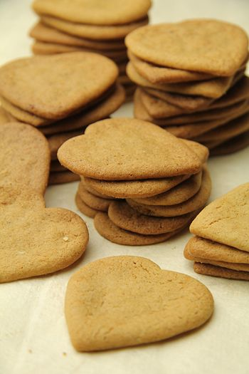 Piparkökur (Icelandic Pepper Cookies) Typical for Christmas. Click on link for recipe