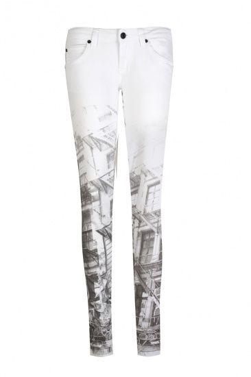 Белые джинсы с принтом, Calvin Klein Jeans, где купить: Calvin Klein Jeans