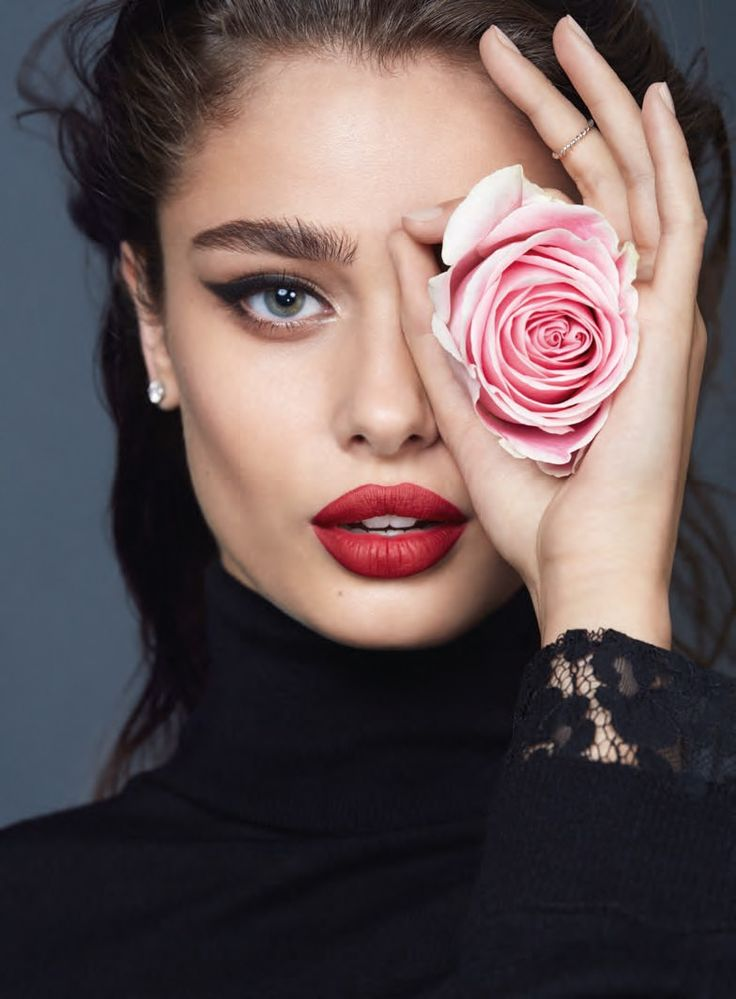 TAYLOR HILL : Photo