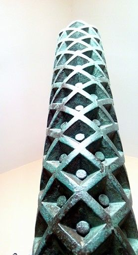 Talla y reproducciones de elementos ornamentales para Proyectos de Interiorismo de locales comerciales, Overstone s.l. Badalona.