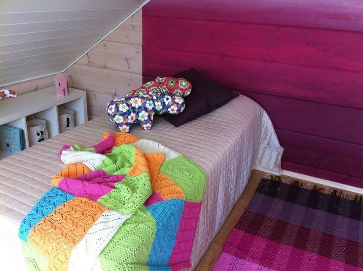 Villa Kapee Kids room, ombre wall, obre carpet hand made in Finland ERIDECO, Modern log house in Finnish Housing Fair 2015 - designed by Hanna-Marie Naukkarinen