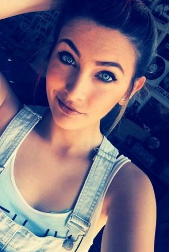 Paris Jackson Admits She's in AA, Rediscovers That the Internet Can Be a Cruel Place