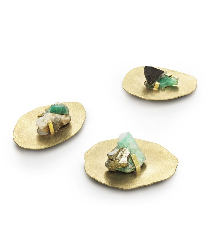 Mette Laiers, Islands. 18k Fairtrade Gold and Raw Emeralds.