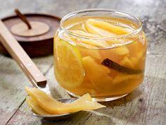 Quitten einkochen schafft Vorräte für die Zeit nach der Saison. Wir zaubern aus der Traditionsfrucht Konfitüre, Gelee, Chutney oder Likör.