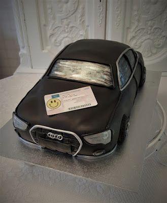 Purppurahelmi: Audi-kakku ja ajokortti