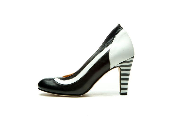 Milenika Shoes | Intro - Black Calla - Milenika Shoes
