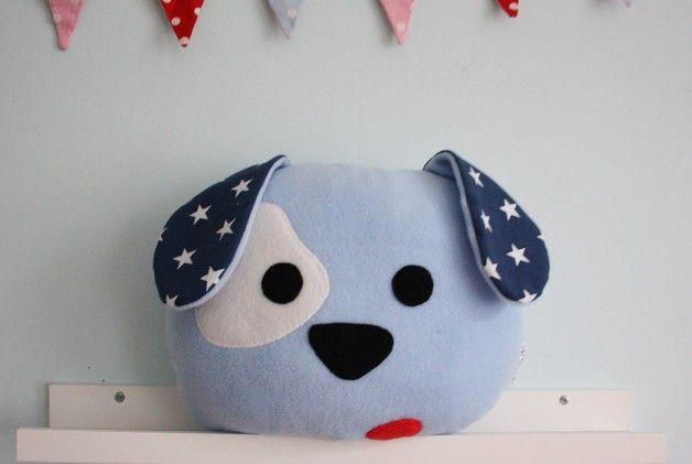 Coussins, Oreiller, poche mascotte chien. est une création orginale de Karmelki-by-Ania sur DaWanda