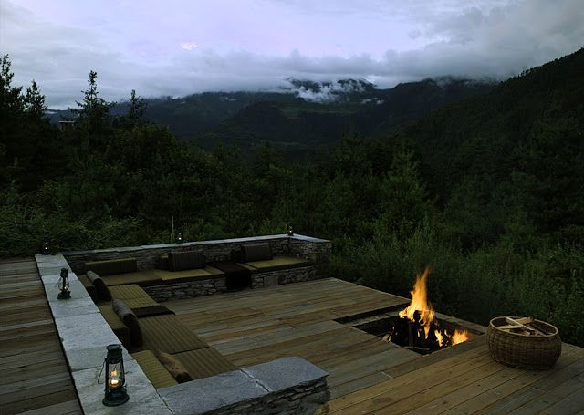 Stunning! Someday when I'll live in a nice cabin on a mountain and have horses!; CASA TRÈS CHIC