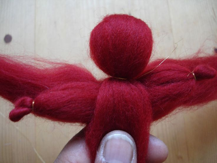 How to make a simple angel with wool roving.