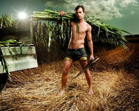 農夫カレンダーの1ページ。モデルは一般人らしい。
