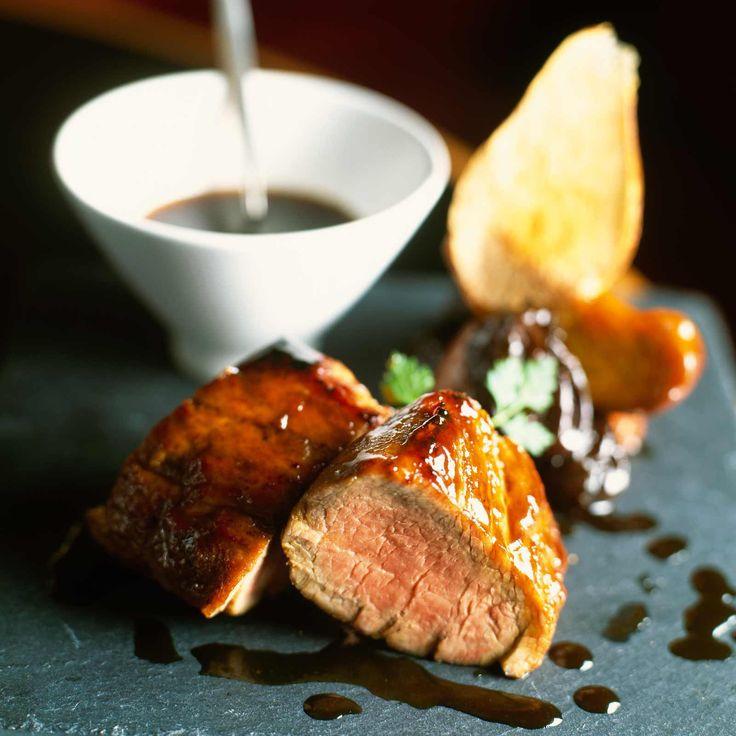 Découvrez la recette Filet mignon aux poires et miel sur cuisineactuelle.fr.