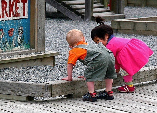 IMG_7092meeting new friends in park by Russ Hayes Photo, via Flickr