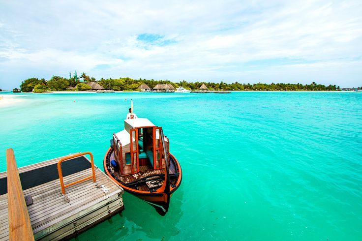 Short cruise across the channel to reach the main island for resort day trip  #maldives #cruise #dhoni #lagoon #island #resort #hotel #green #holdays #tours #backpackers #vsitmaldives #budget www.cruise-maldives.com