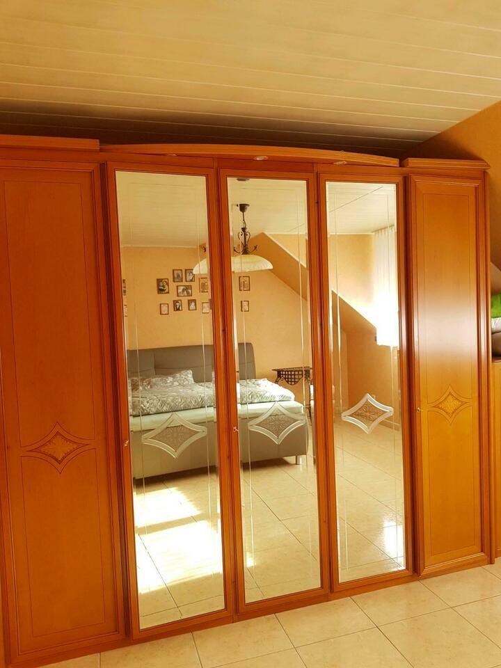 Schlafzimmer  Schrank, Kleiderschrank aus Kirschbaum in ...