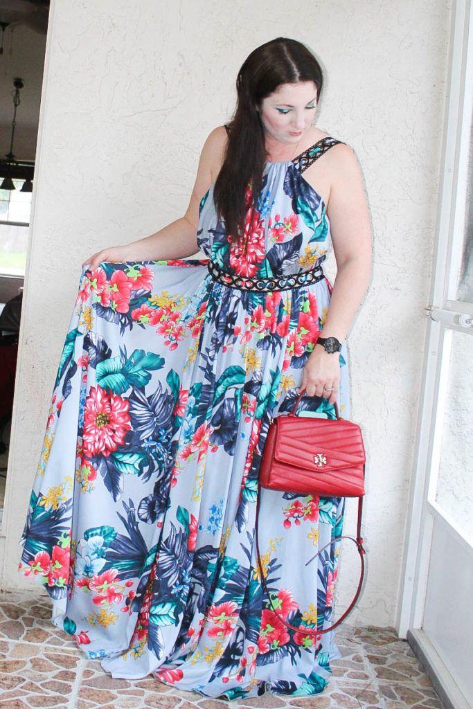 فستان بادجلي ميتشكا وحقيبة توري بورش أحذية أزياء بلوغر In 2020 Maxi Dress Dresses Halter Dress