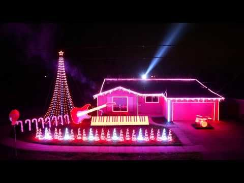 Take a trip to a galaxy far, far away with this Star Wars-themed Christmas light show | Rare