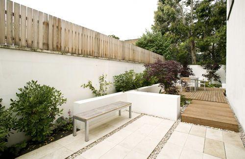 white half wallsGardens Paths, Gardens Design Ideas, Pave Ideas, Urban Gardens, Small Patio, Garden Design Ideas, Patios Ideas, Small Gardens, Modern Housepatiosgardenss