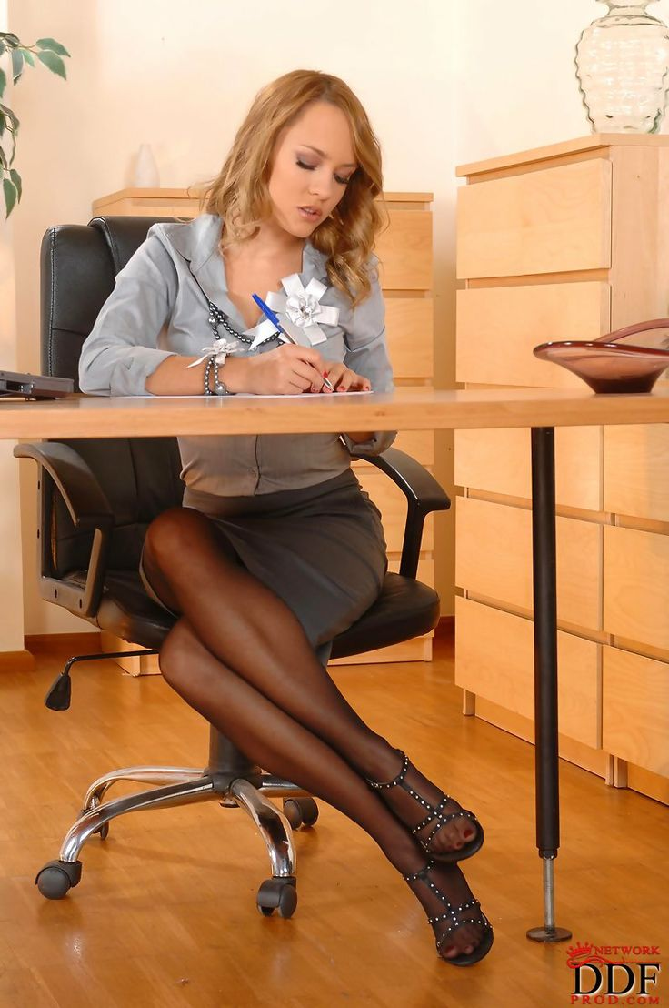 Sheer Black Pantyhose In Office Outfit Pantyhose
