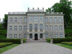 Marienlyst Slot, Sjælland - Bygningen tjente tidligere som kongeligt lysthus, men har siden 1930 været en del Helsingør Kommunes Museer