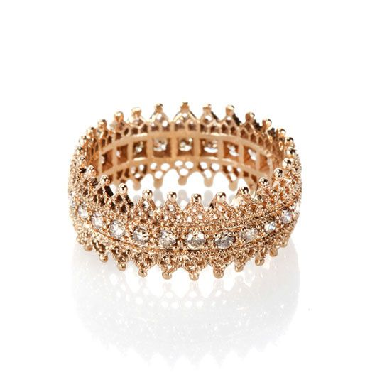 Poiray-Jaegher http://www.vogue.fr/joaillerie/shopping/diaporama/bagues-dentelle/10525/image/643713#poiray-jaegher