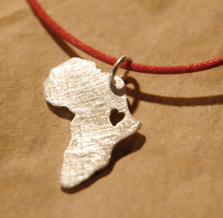 Africa necklace - Silver Heart necklace - Adoption jewelry - Ethiopia adoption .Collar Africa etiopía. €20,00, via Etsy.