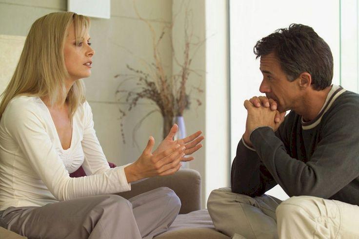 MEJOR COMUNICACIÓN EN LA PAREJA  Los matrimonios exitosos se cimentan de forma particular en un alto nivel de satisfacción en el campo de su comunicación. Hablan de todo entre sí, con confianza y apertura, y esta es una base importante de su relación. Investigando más en la materia en estos últimos treinta años se ha concluido que éstas cinco características…  http://www.thevalues.club/coaching/comunicacion/mejor-comunicacion-en-la-pareja