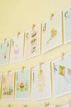 Love these alphabet flashcards with mini clothes pins!