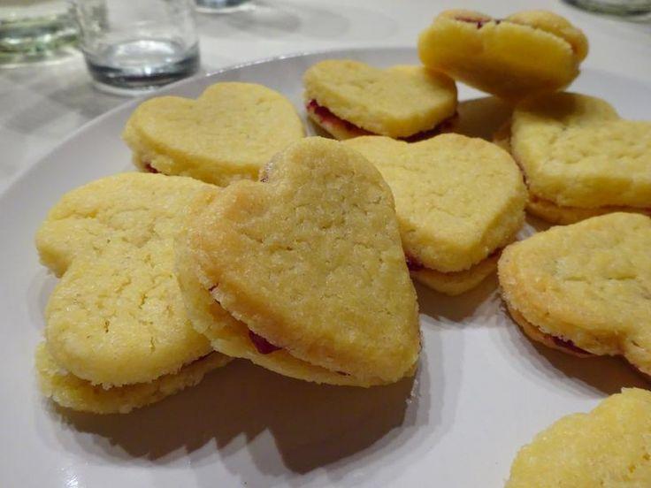 http://bommasrecepten.com/zandkoekjes/    #recepten #gebak    Klik afbeelding om het recept te lezen.