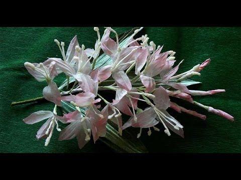 http://www.bello-fiore.ru/video/rose_excellent_lady_barhat.htm Мастер-класс розы из шелка включает в себя все этапы в создании цветка. Мы вместе с вами сдела...