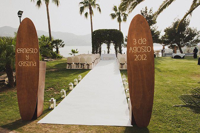 Fotografia original en Málaga. Boda surfera en Málaga. Fotografo de bodas en Málaga.