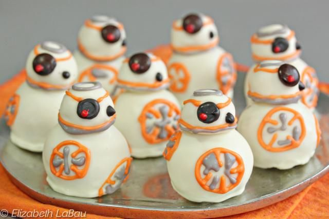 These BB-8 Cake Balls ARE the droids you're looking for! These cute stacked cake balls look just like the droid from Star Wars, and taste delicious, too!