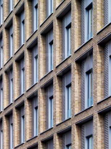 RESIDENTIAL STUDENT HOUSING ALLIES AND MORRISON LONDON 2010 FULL FRAME PERSPECTIVE OF BRICKWORK FACA