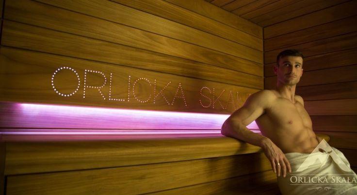 Sauna w pensjonacie Orlicka Skała, @saunaline, sauna, saunas, spa, spas, wellness, warm, hot, relax, relaxation, light, music, aromatherapy, luxury, exclusive, design, producer, health, wood, glass, project, hemlock, abachi, Poland, benefits, healthy lifestyle, beauty, fitness, inspirations, shower, bathroom